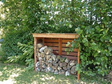 Modest houtberging